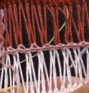 2ループずつループをねじらずに細編みつなぎを